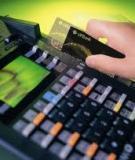 Hạn chế dùng tiền mặt bằng cách phát triển các công cụ thanh toán không dùng tiền mặt