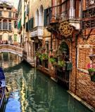 Venice được xây dựng trên 117 đảo nhỏ