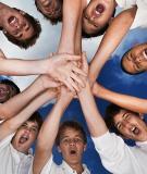 Sinh viên học kỹ năng làm việc nhóm