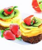 Bánh bông lan trái cây