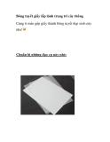 Bông tuyết giấy lấp lánh giúp trang trí cây thông