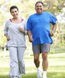 Đi bộ chưa chắc đã tốt cho người già