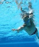 Cách Học Bơi (Mà Không Phải Vất Vả) Trong 7 Ngày: Total Immersion – Kinh Thánh của Bơi Lội
