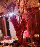 20 cách xếp đặt hoa trên bàn tiệc tuyệt đẹp Năm nay