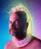 Tim Taddler: Đầu trọc đẹp lên nhờ bong bóng nước