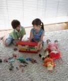 """""""Thủ thuật"""" giúp con sắp xếp đồ chơi gọn gàng"""