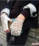 Từ găng tay cũ hóa găng tay Chanel độc lạ