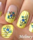 Vẽ nail xinh với hoạ tiết hoa cực yêu