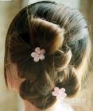 Làm tóc hình cánh hoa cực xinh xuống phố mùa lạnh