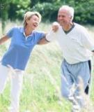 Tập thể dục ở tuổi 70 giúp chống teo não