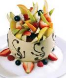 Salad trái cây với trứng đà điểu luộc