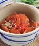 Mắm tôm chua, thịt phay, rau sống