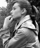 Buộc tóc đuôi ngựa đẹp như minh tinh Audrey Hepburn