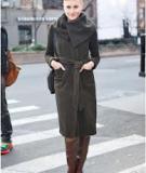 Phối đồ cùng áo khoác cổ to bản thật thời thường của Wendy Nguyen