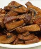 Đậm đà món thịt, nấm kho tàu
