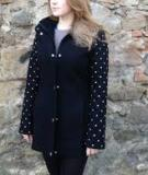 4 bước đơn giản biến áo khoác cũ thành áo mới