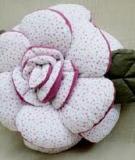 Khéo tay may chiếc gối hình bông hoa hồng dễ thương
