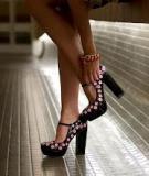 Tự chế giày Prada cực sành điệu