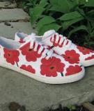 5 bước biến giày trắng thành giày hoa ấn tượng