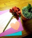 Trang trí bút thành bông hồng Valentine ngọt ngào