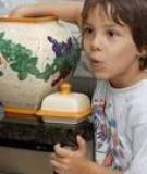 Phát hiện trẻ ăn cắp, bố mẹ phải làm gì?