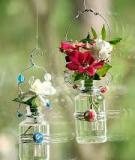 Biến lọ thủy tinh thành bình hoa treo độc đáo