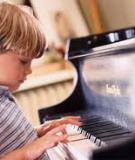 Nên hay không ép con học nhạc?