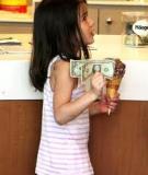 Chấm dứt việc xin tăng tiền tiêu vặt của con
