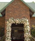Thuê trọn gói hay tự trang trí nhà cho đám cưới?