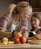 Nhóm thực phẩm có hại cho sự phát triển của bé