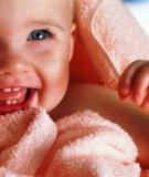 Giảm đau cho bé lúc mọc răng bằng cách nào?