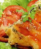 Cá rán xốt cà chua