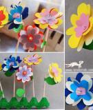 Trang trí bàn học với các kiểu hoa xinh