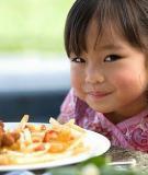 Những thực phẩm có hại cho sức khỏe của bé