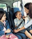 Đảm bảo an toàn cho trẻ khi đi ôtô
