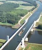 Độc đáo một dòng sông vắt ngang qua sông Rhine ở Đức