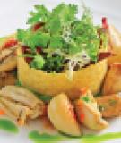 Đùi ếch áp chảo ăn kèm đậu nghiền, tỏi, phô mai