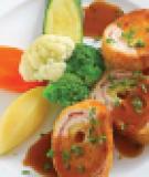 Ức gà cuộn thịt nguội