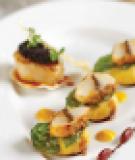 Sò điệp và trứng cá xốt giấm balsamic
