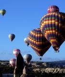 Đua khinh khí cầu trên di tích lịch sử Cappadocia
