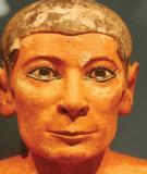 Ánh mắt từ bức tượng Ai Cập