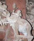 Hình tượng con người trong điêu khắc kiến trúc đình làng Việt thế kỷ XVII