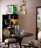 Phòng khách nhỏ hẹp được sắp xếp đồ đạc hợp lý