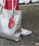 Làm điệu cho túi xách bằng sequin