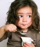 Cách cho trẻ ăn sữa chua tốt nhất