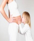 Chăm sóc bà bầu 3 tháng giữa thai kỳ về tư thế ngủ và vận động