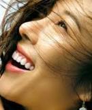 Cách làm trắng răng bằng vỏ chuối chín