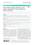 Plant volatile emission depends on the species composition of the neighboring plant community